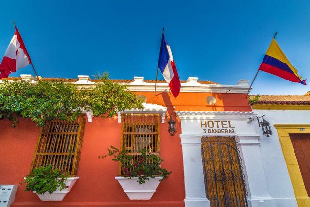 Rondreis Colombia Bolivar Cartagena 3 Banderas vooraanzicht hotel