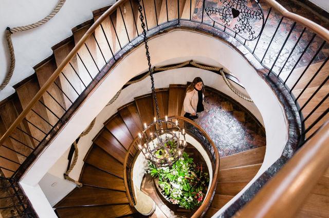 Rondreis Colombia Cundinamarca Bogota Casa Medina met de prachtige trap
