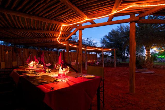 Rondreis Namibie Bagatelle Kalahari Game Lodge restaurant