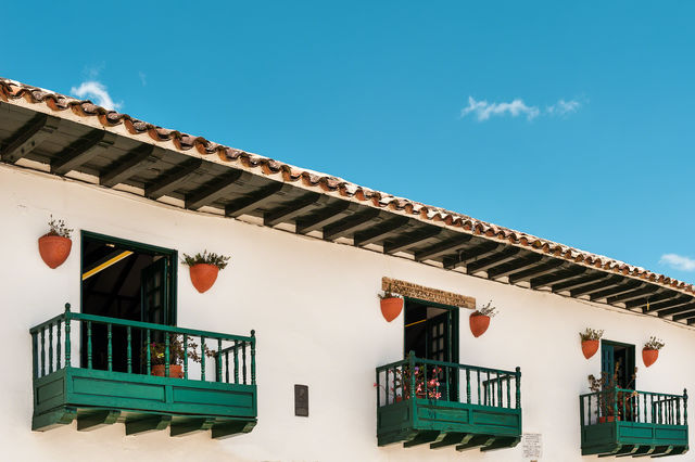 Rondreis Colombia Ricaurte Villa de Leyva balkons