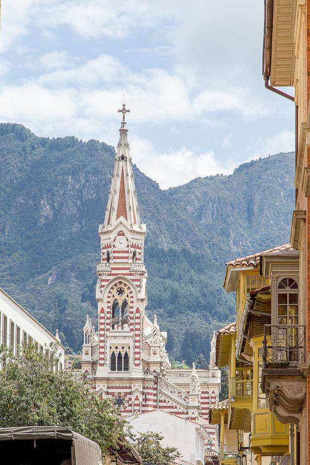 Rondreis Colombia Bogota kerktoren