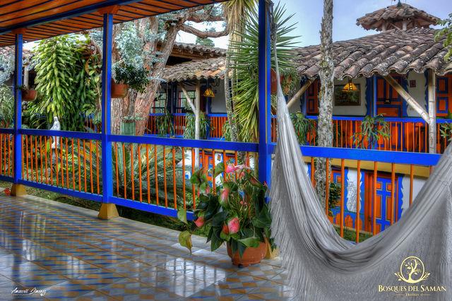 Rondreis Colombia Risaralda Filandia Bosques del Saman Alcala balkon