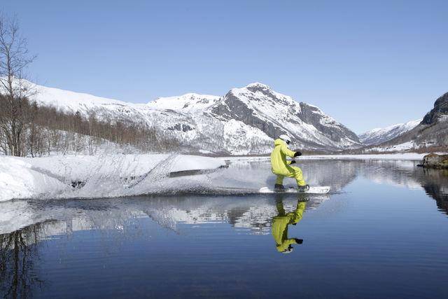 Snowboard meer Hemsedal Noorwegen