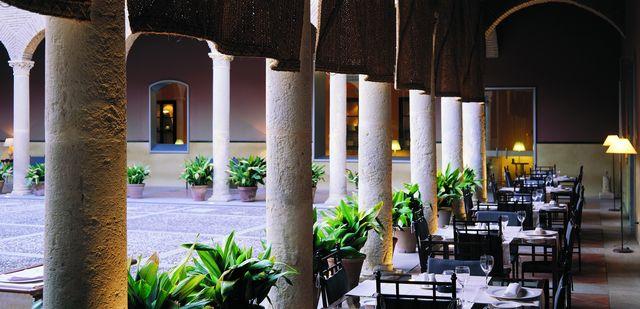 AC Palacio de Santa Paula Granada binnenplein