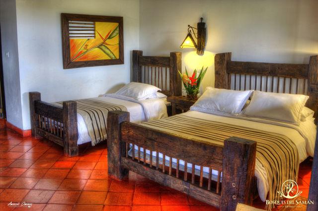 Rondreis Colombia Risaralda Filandia Bosques del Saman superior kamer in een Casa Rustica