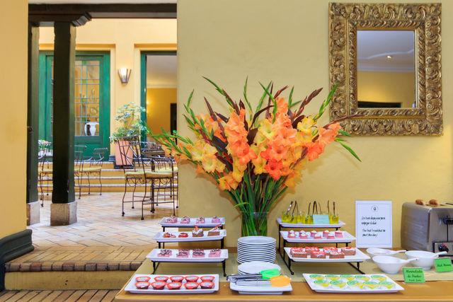 Rondreis Colombia Bogota Hotel de la Opera, set up voor het ontbijt