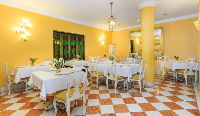 Rondreis Colombia Bogota hotel de la Opera restaurantruimte