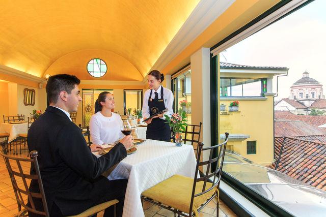 Rondreis Colombia Bogota Hotel de la Opera stijlvol dineren of lunchen