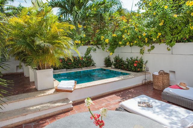 Rondreis Colombia Bolivar Cartagena Casa San Agustin een klein badje op het dak