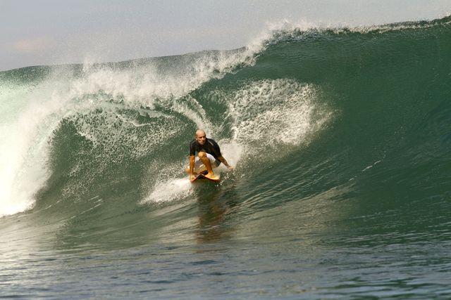 Rondreis Colombia Choco Nuqui El Cantil Ecolodge golf surfen
