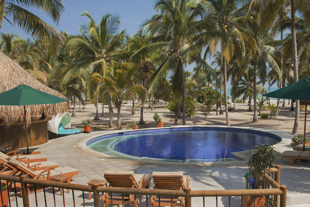 Rondreis Colombia Magdalena Palomino Beach Aite Ecolodge zwembad