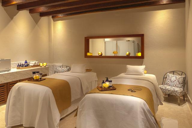 Rondreis Colombia Bolivar Cartagena Casa San Agustin massage kamer