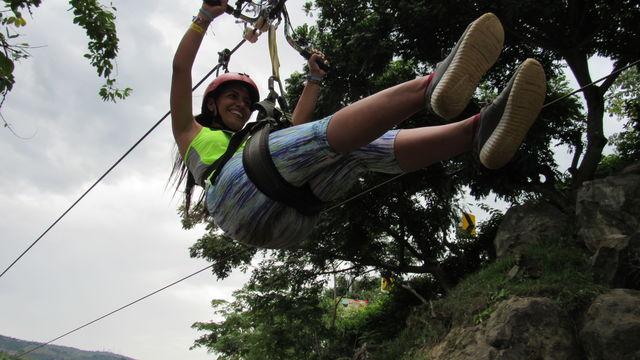 Rondreis Colombia Santander San Gil outdoor detail ziplining