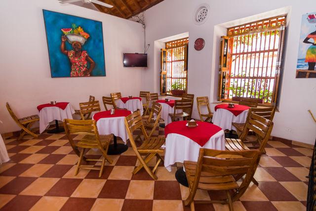 Rondreis Colombia Bolivar Cartagena 3 Banderas ontbijt restaurant