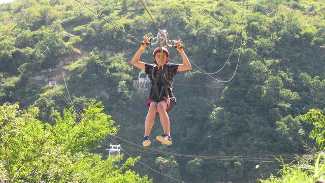 Rondreis Colombia Santander San Gil outdoor ziplining ook geschikt voor kids