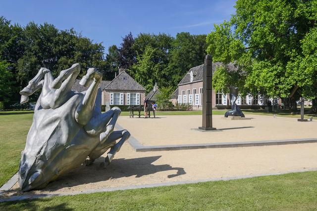 Kasteel Nijenhuis Kunstwerken Heino
