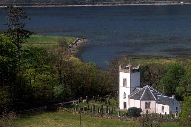 Kerk Kilmorich begraafplaats Cairndow Schotland