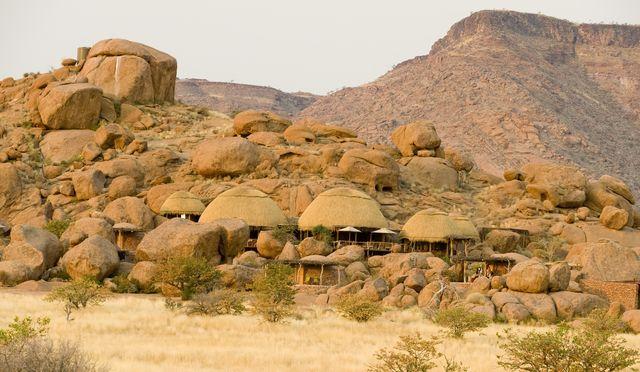 Rondreis Namibie Damaraland Camp Kipwe aanzicht