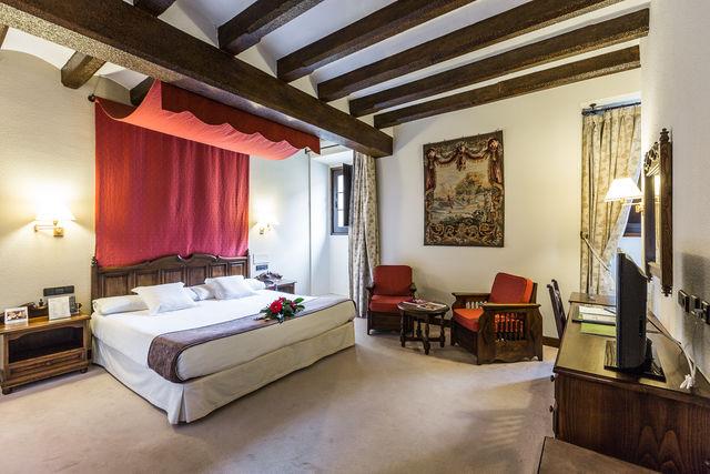 Los Agustinos Haro slaapkamer