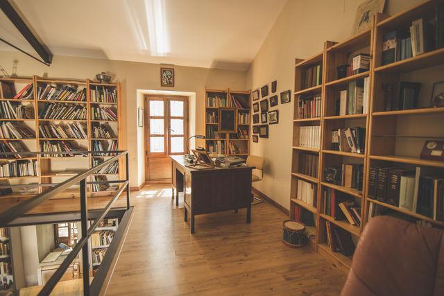 Hacienda Minerva Zuheros bibliotheek