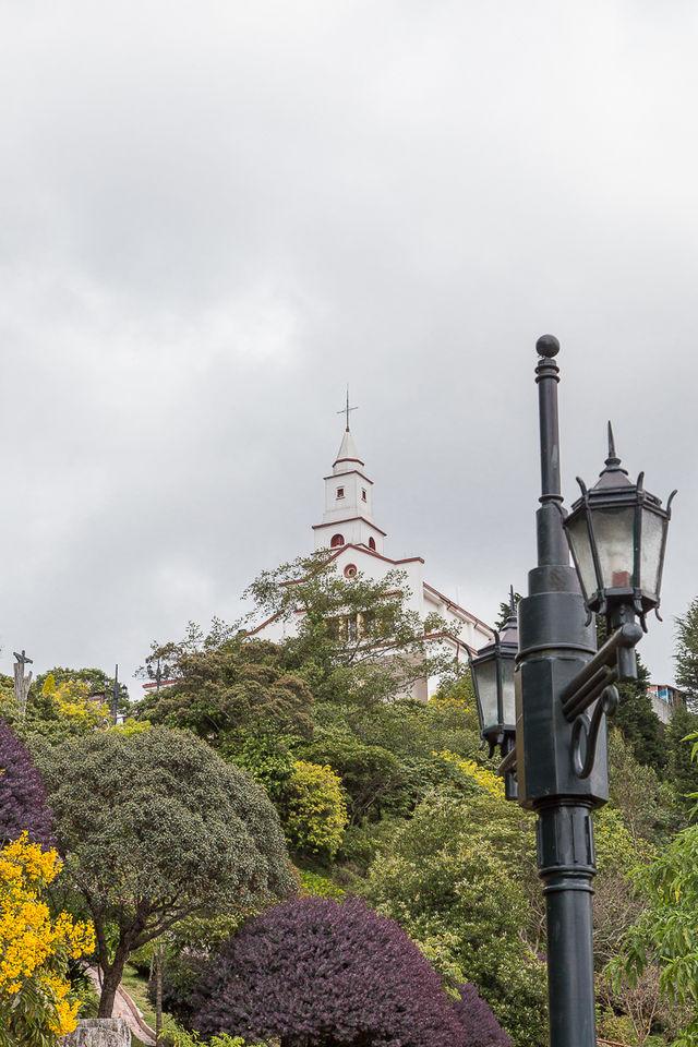 Rondreis Colombia Bogota Monserrate klooster