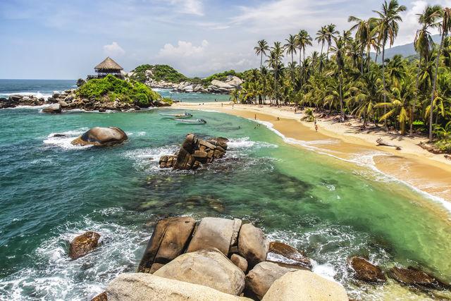 Rondreis Colombia Magdalena Tayrona National park strand met uitkijkpunt