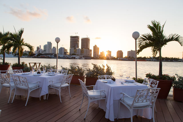 Rondreis Colombia Cartagena sjiek dineren bij de Club de Pesca