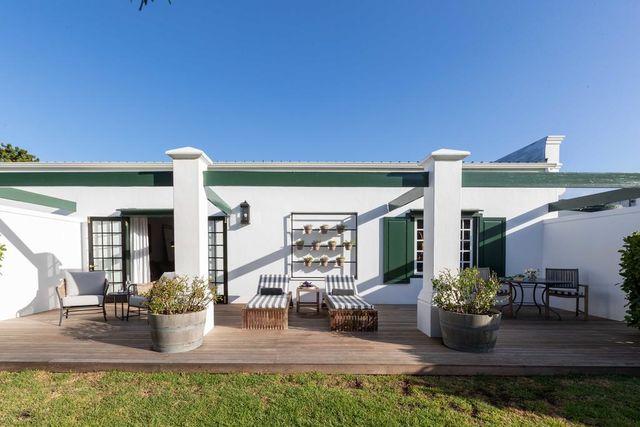 Rondreis Zuid-Afrika Steenberg hotel terras superior room