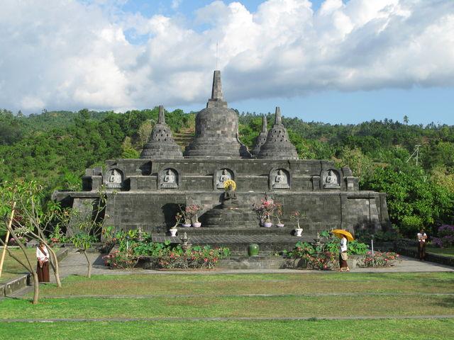 Stupa Brahma Vihara Arama Bali