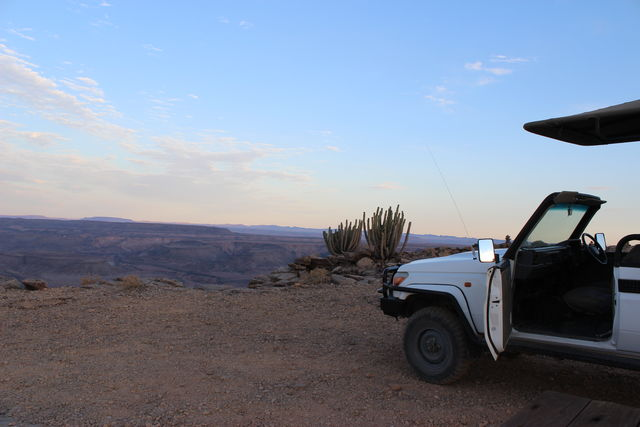 Rondreis Namibie Fish River Canyon sundowner