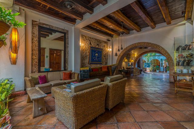 Rondreis Colombia hotel Bantu Cartagena gezellige lobby