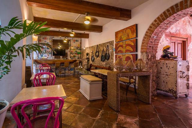 Rondreis Colombia hotel Bantu Cartagena lobby en bar van het hotel