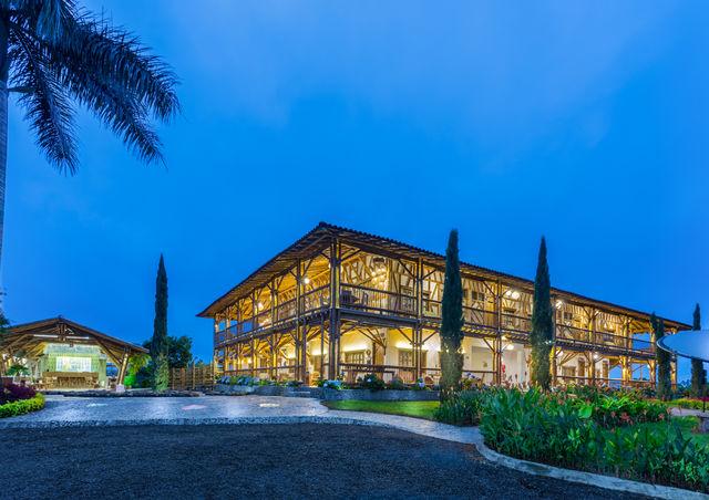 Rondreis Colombia Risaralda Pereira Casa San Carlos Lodge hoofdgebouw
