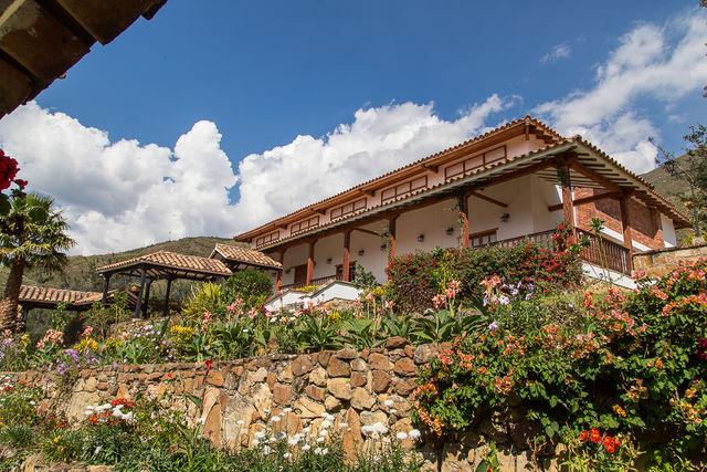 Rondreis Colombia Ricaurte Villa de Leyva een huis in de omgeving