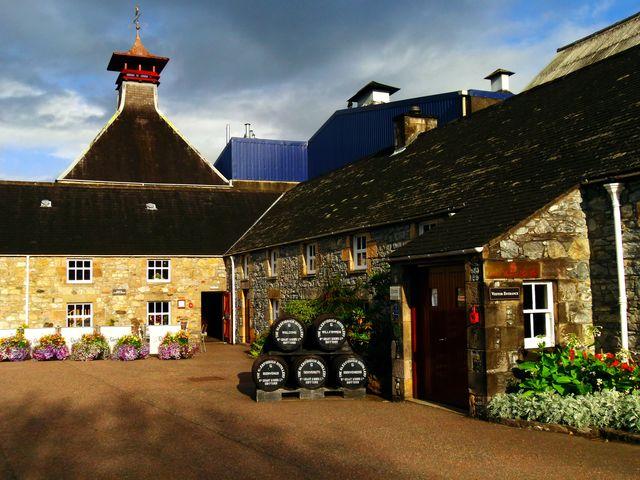 Glenfiddich distilleerderij ingang Schotland