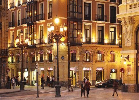 Petit Palace Arana Bilbao gevel