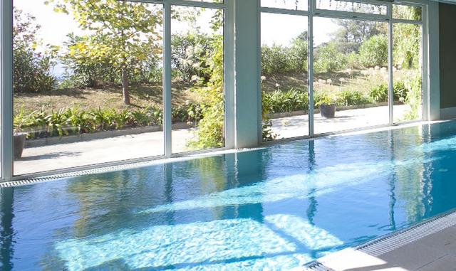 Palacio Urgoiti Mungia zwembad