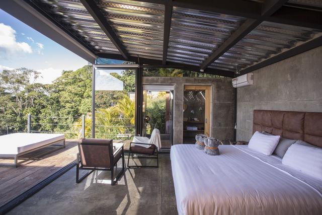 Rondreis Colombia Quindio/Armenia/Bio Habitat slaapkamer met terras en uitzicht