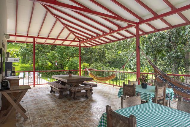 Rondreis Colombia Quindio Manizales Hacienda Venecia een centrale ruimte