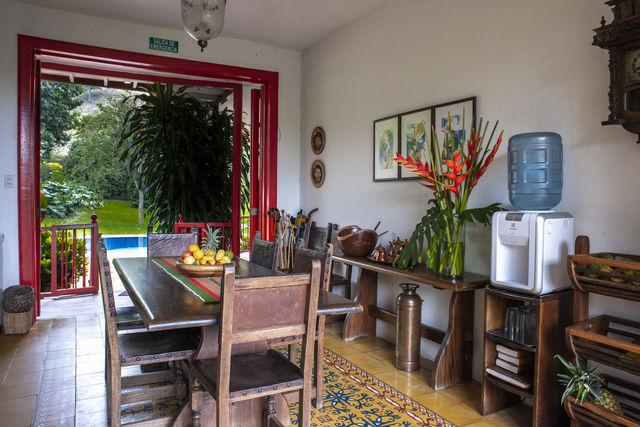 Rondreis Colombia Quindio Manizales Hacienda Venecia de eetkamer