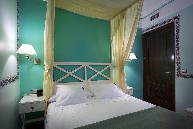 Suites Gran Vía 44 Granada kamer