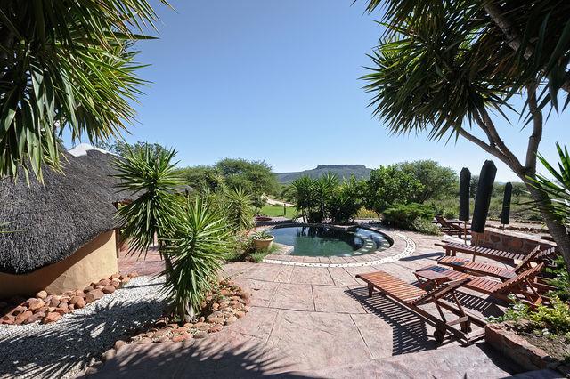 Rondreis Namibie Waterberg Guest Farm zwembad
