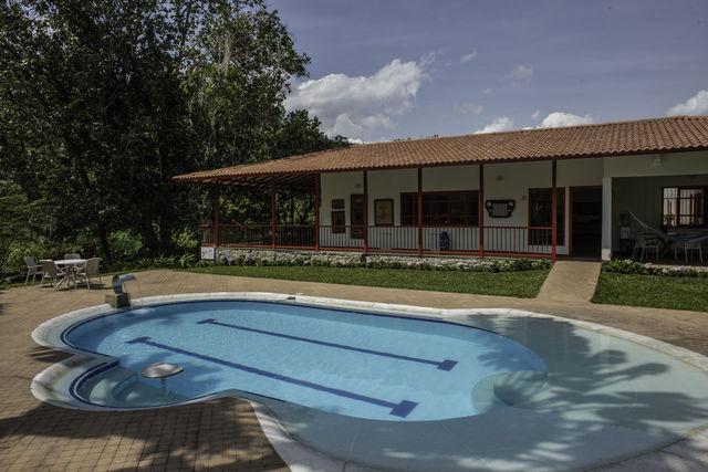 Rondreis Colombia Quindio Manizales Hacienda Venecia hotel met zwembad