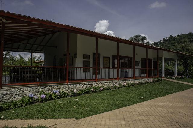 Rondreis Colombia Quindio Manizales Hacienda Venecia doorkijkje