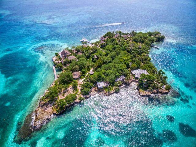 Rondreis Colombia Bolivar Islas Rosario luchtfoto eiland