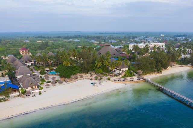 Rondreis Tanzania Reef and Beach Resort Zanzibar overview