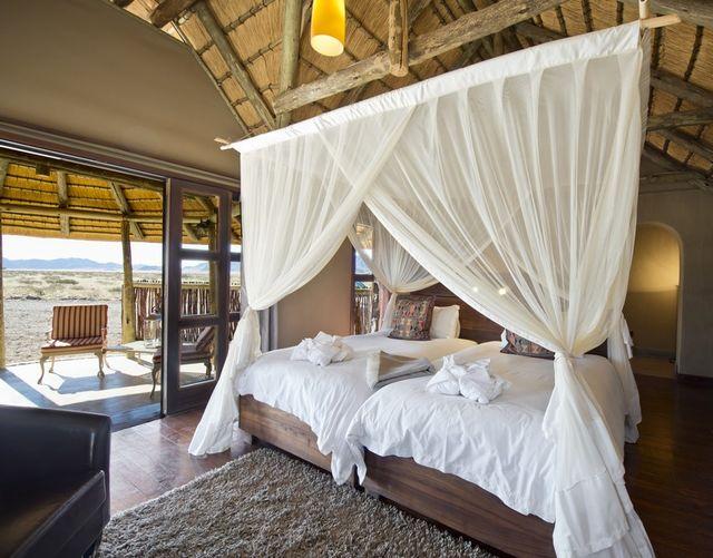 Rondreis Namibie Hoodia Desert Lodge kamer en terras
