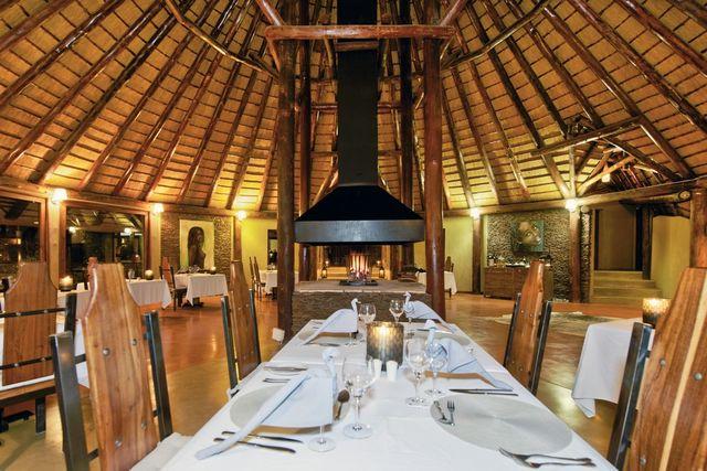 Rondreis Namibie Hoodia Desert Lodge restaurant 2