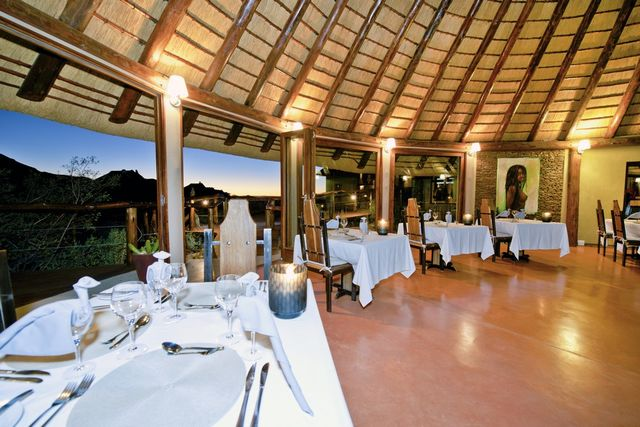 Rondreis Namibie Hoodia Desert Lodge restauirant
