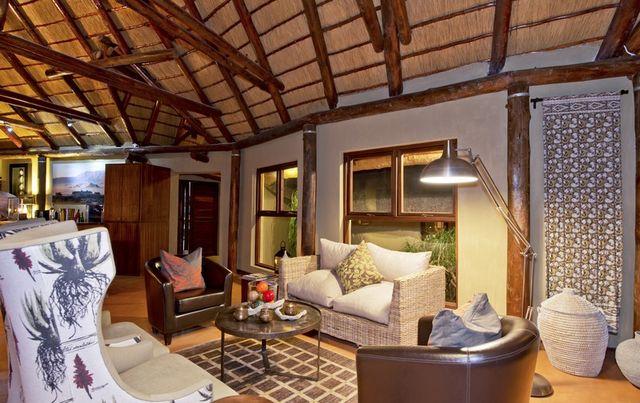 Rondreis Namibie Hoodia desert lodge lounge